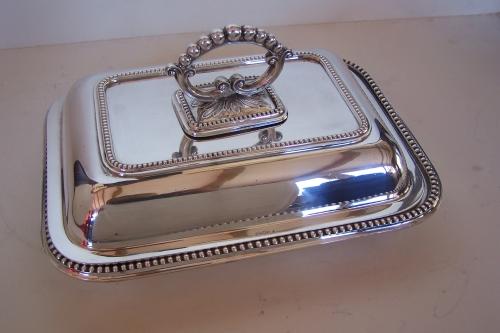 Legumbrera antigua inglés de baño de plata