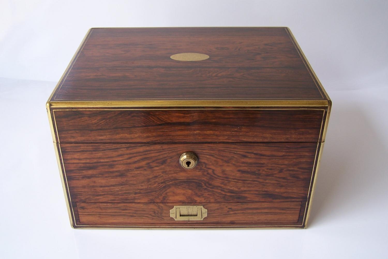 Victorian rosewood vanity box