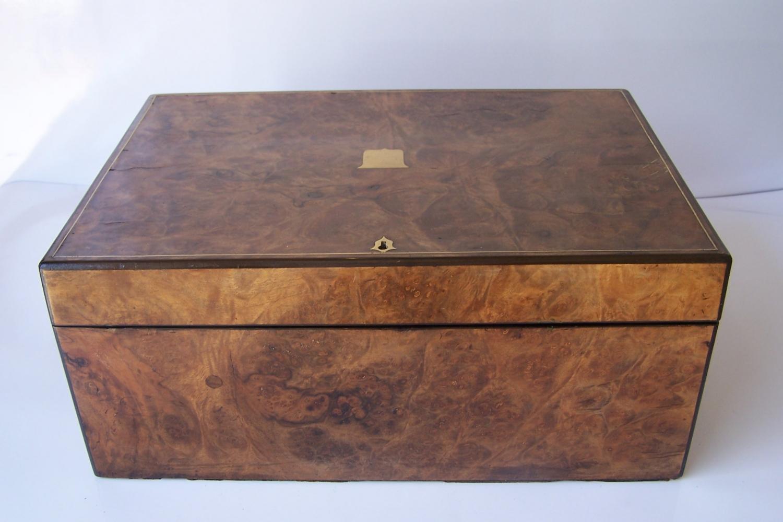 Caja escritorio antigua inglésa con papelera