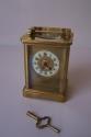 Reloj de viaje antiguo de laton - picture 1