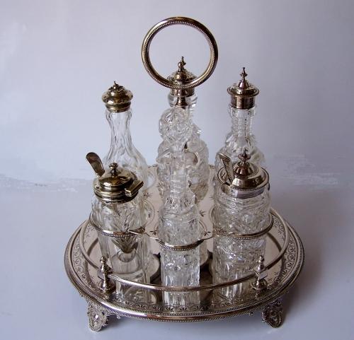 Antiguo juego de vinagrera de baño de plata