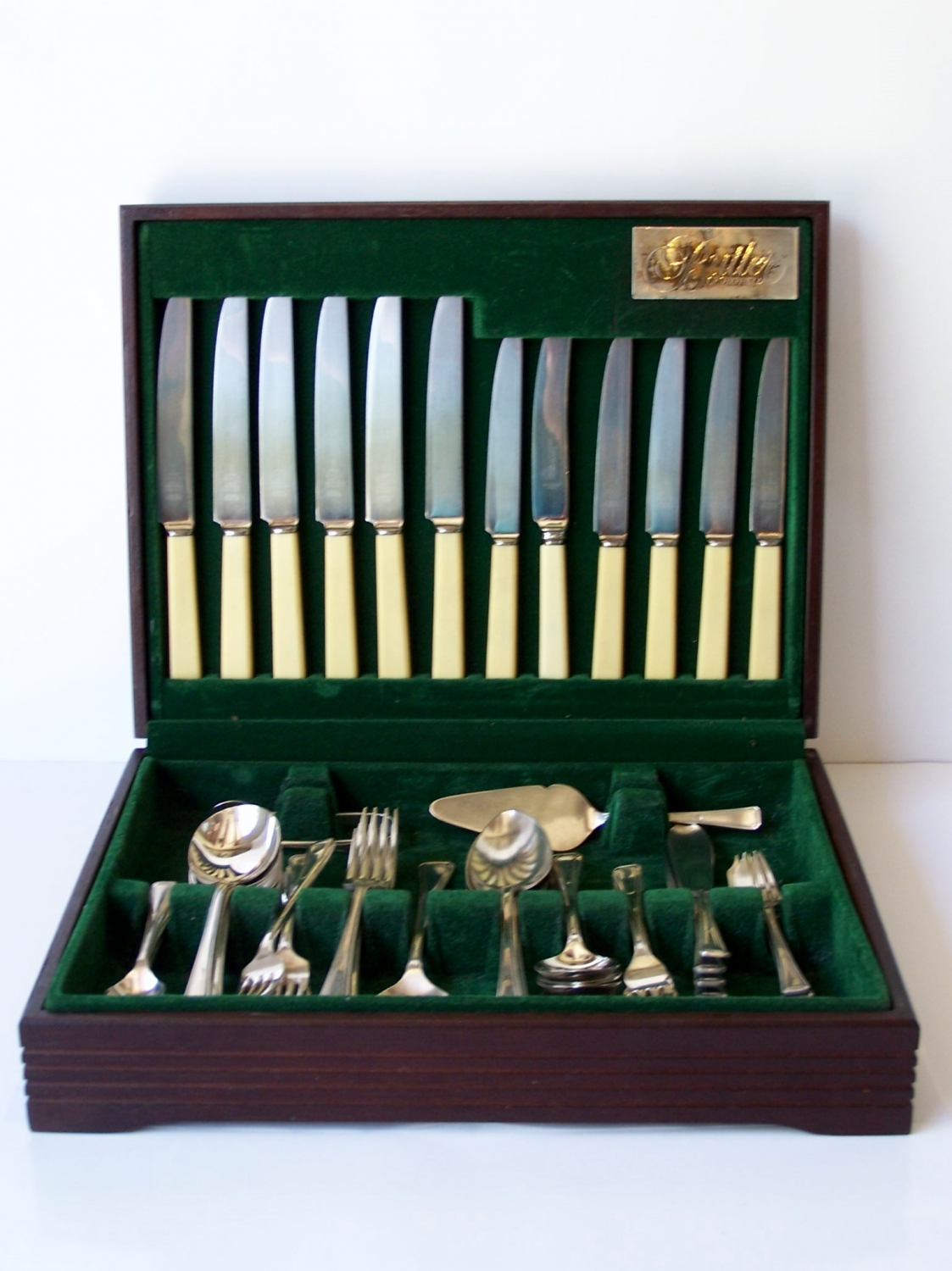 Silver plated boxed cutlery set for six