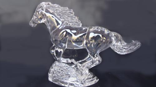 Figura de caballo de cristal de Waterford