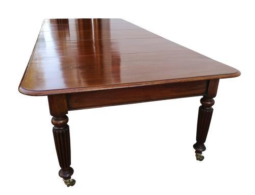 Victorian mahogany extending dining table