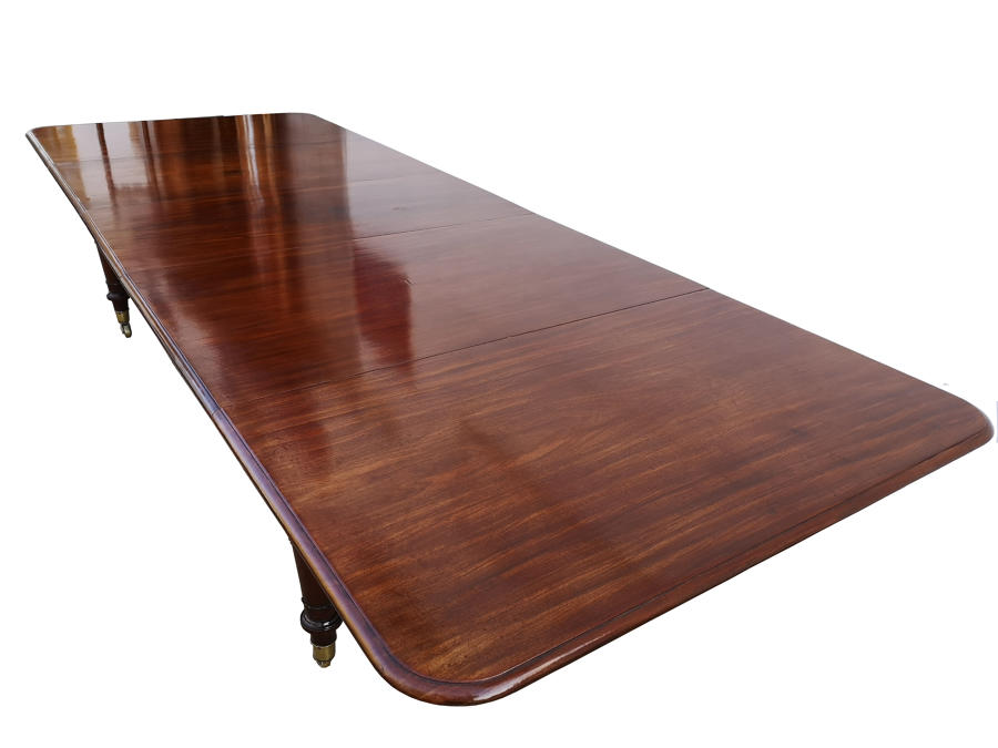 Large 19th Century extendable dining table