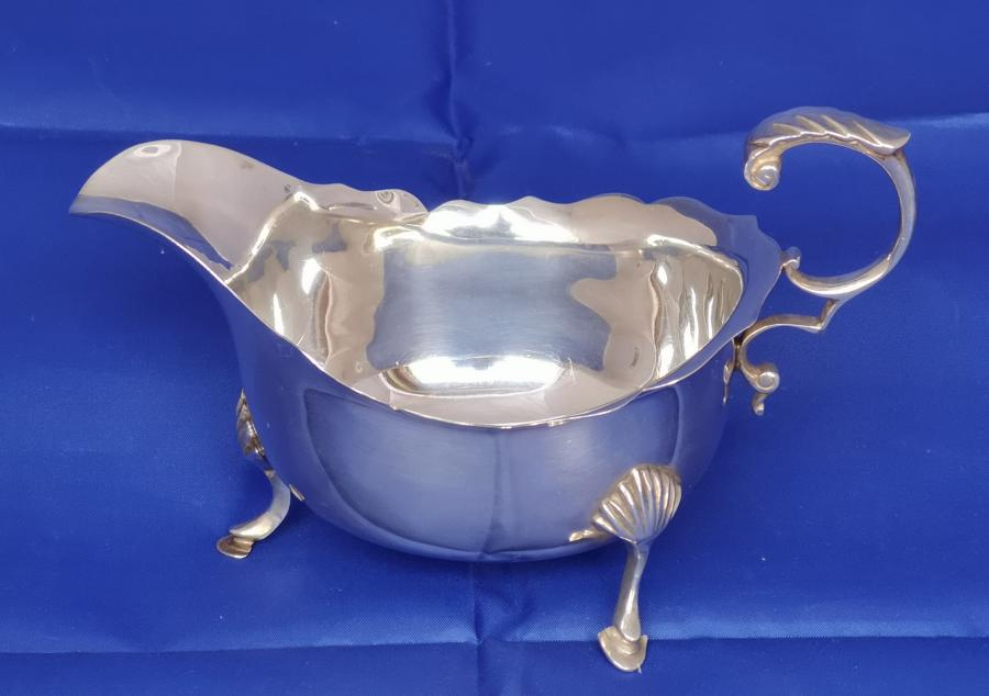English solid silver sauce gravy boat