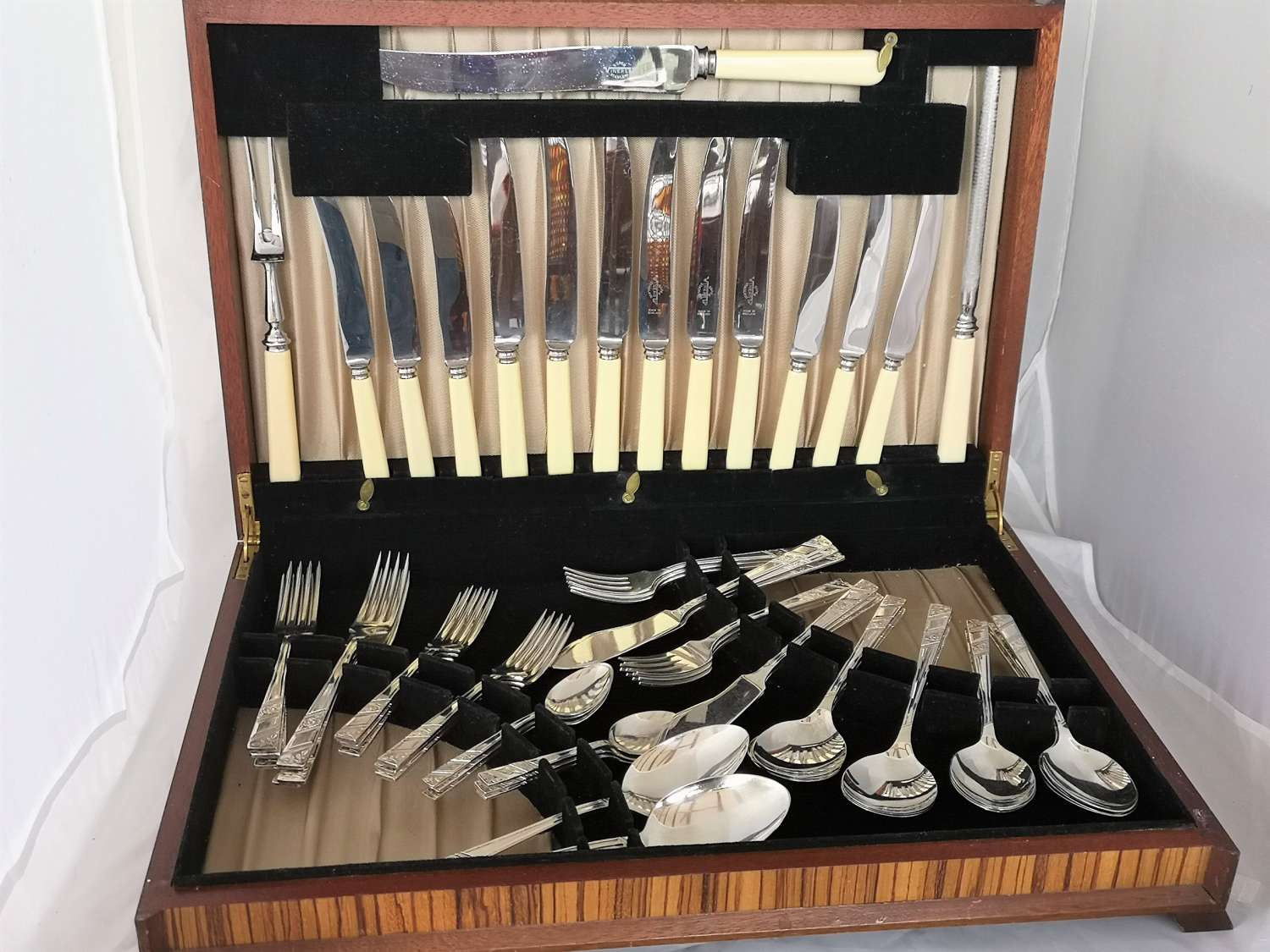 Vintage silver plated canteen of cutlery