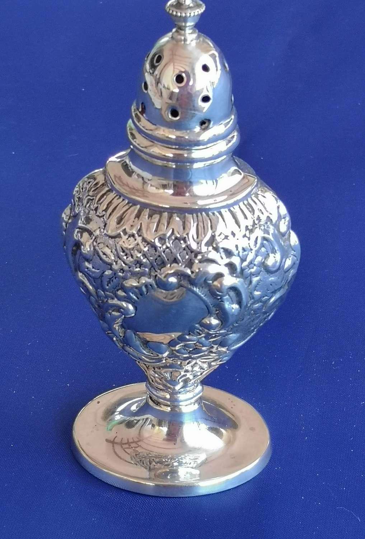 Antique silver pepper pot Birmingham 1910