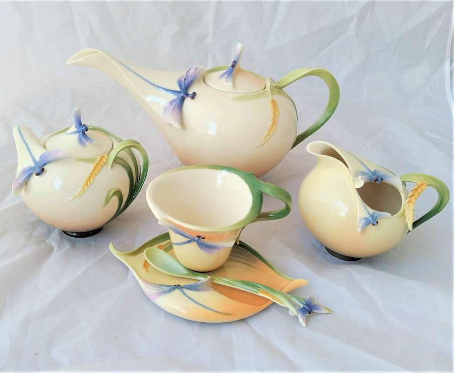 Contemporary teaset by Franz Porcelain