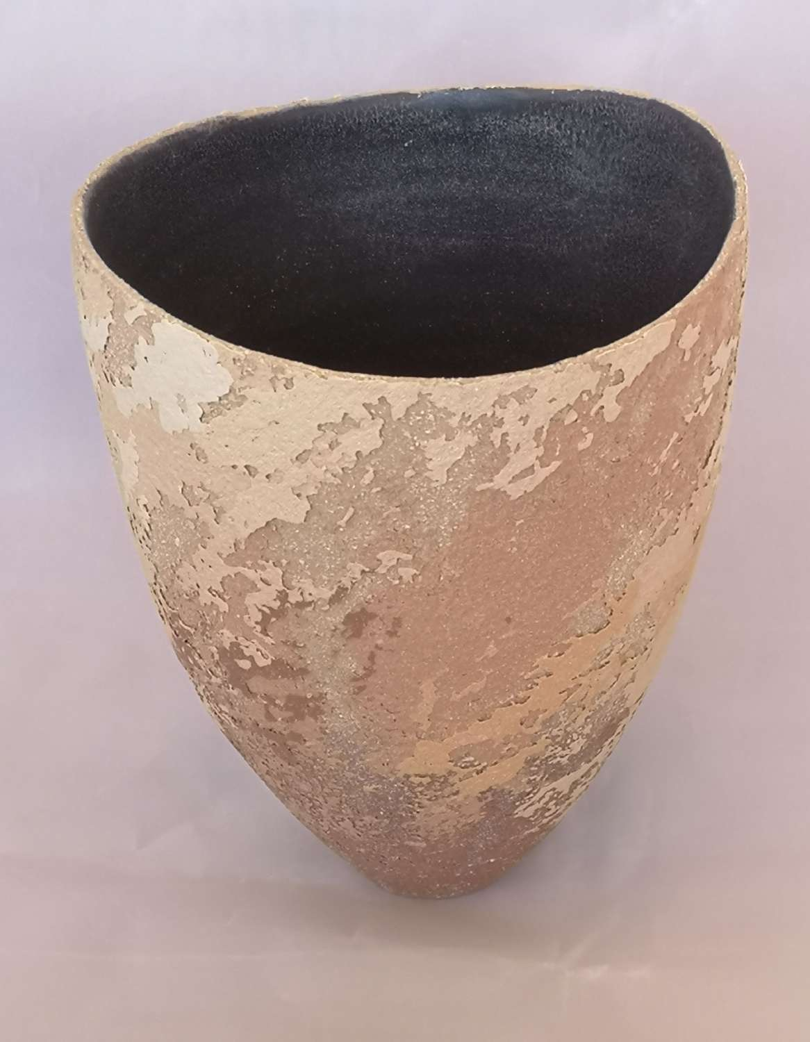 Contemporary French artisan vase or dish