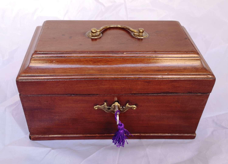 Antique 19th century mahoganybox